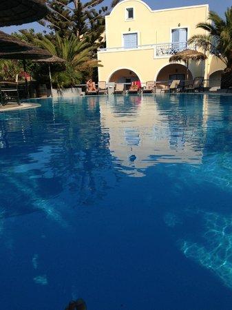 Hotel Zephyros: La piscina