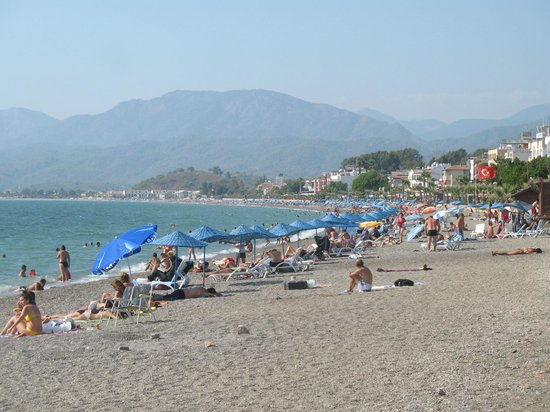 Aymes Hotel: Calis beach, 2 minutes' walk from hotel