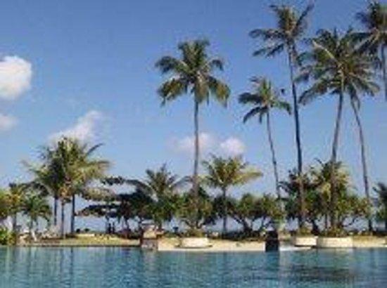 The Patra Bali Resort & Villas: プールでまったり