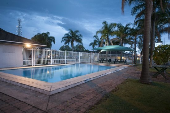 Colonial Terrace Motor Inn : Pool Area
