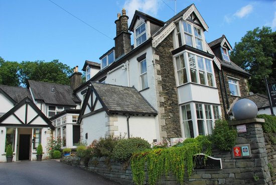 Hawksmoor Lakeland Guesthouse: Front view of the guest house