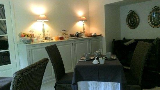 Guesthouse 17: ontbijtruimte