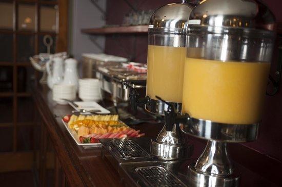 Colonial Terrace Motor Inn: Continental Buffet in The Brasserie