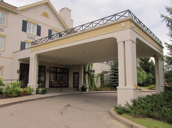 Comfort Inn & Suites: Entrada del hotel