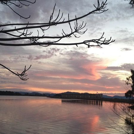 Lake Hume Tourist Park: My view from my site