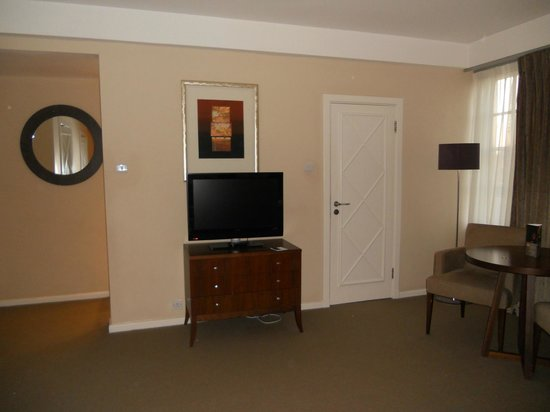 Dolphin House Serviced Apartments: our room