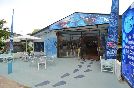 Blue Planet Divers: Our Blue shop at the end of the renovation in 2012