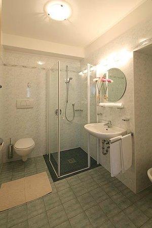 Appartements Rose: Bad / bagno / bath