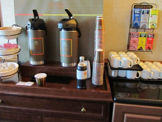 Country Inn & Suites By Carlson, Oakville, ON : Café gratis