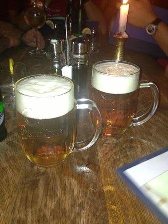 Bulldog steakhouse: cerveza!
