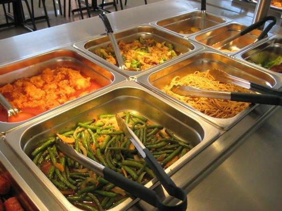 Restaurante Hong Kong: Pinnaple Chicken, Chop Suey, Spicy Green Beans & More