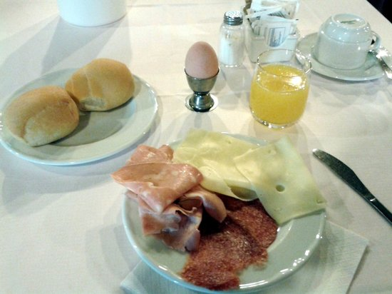 Hotel Savoia Thermae & SPA: Particolare di una colazione leggera
