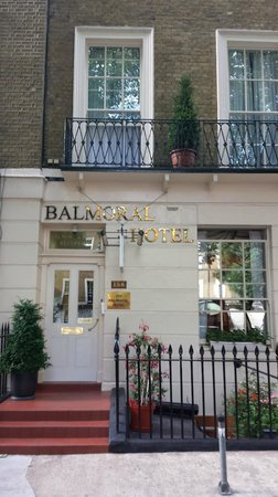 The Balmoral House Hotel: The front of the hotel