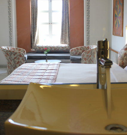 Hotel paras mahal 0 for Boutique hotel 74