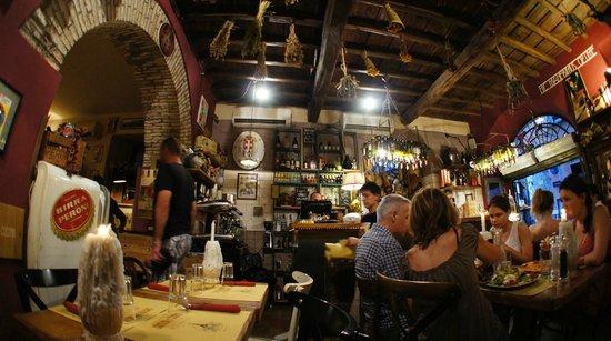Soffitto con mazzi di fiori foto de cantina e cucina roma tripadvisor - Cucina e cantina ...