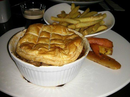 Maldron Hotel Parnell Square: Traditional Irish Beef & Guinness Pie