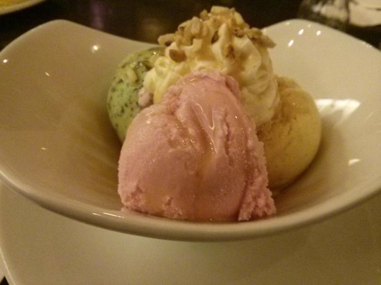 Maldron Hotel Parnell Square: Trio of ice cream