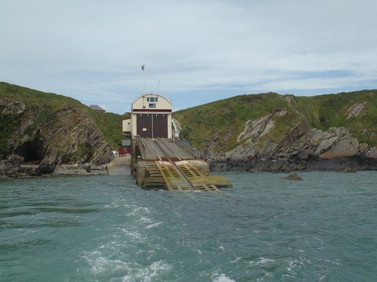 Ramsey Island Boat Trips -Thousand Islands Expeditions: the slipway