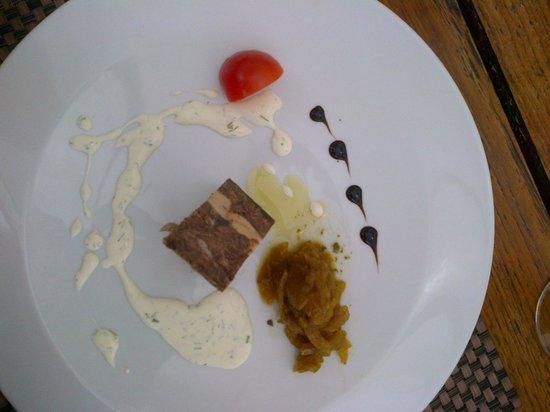 Garden Beach Hotel : Pressé de boeuf cuit et foie gras