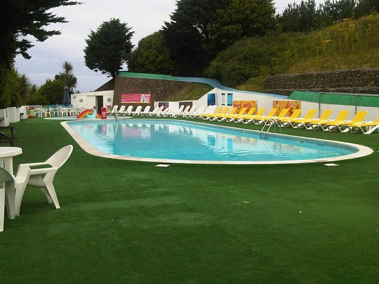 Parkdean - Holywell Bay Holiday Park: Outdoor pool
