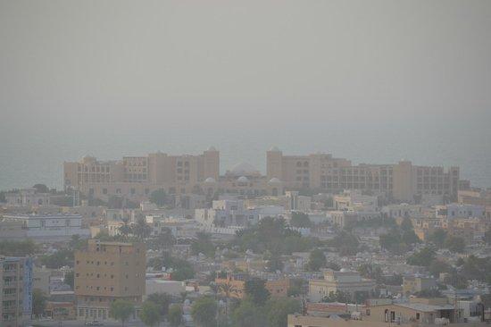 Ras Al Khaimah Hotel: View of Hilton resort from Doubletree roof garden