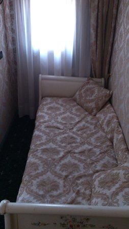 Gorizia a la Valigia: Skitig säng