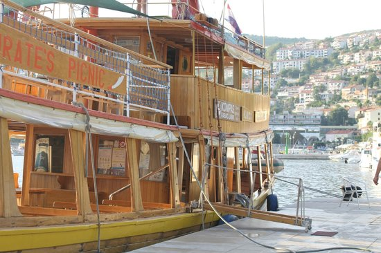 Marina Hotel : Прогулка по морю