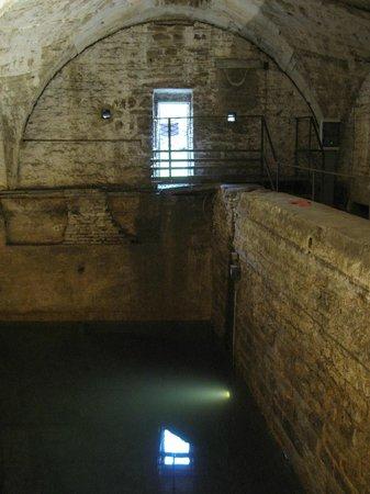 La Città Alta: Fontana del Lantro (cisterna)