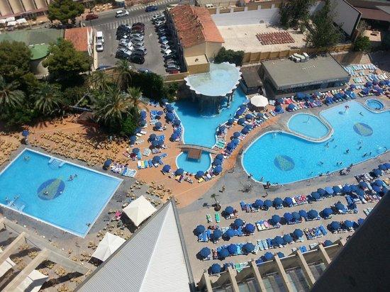 Panoramicos picture of gran hotel bali benidorm for Piscinas benidorm