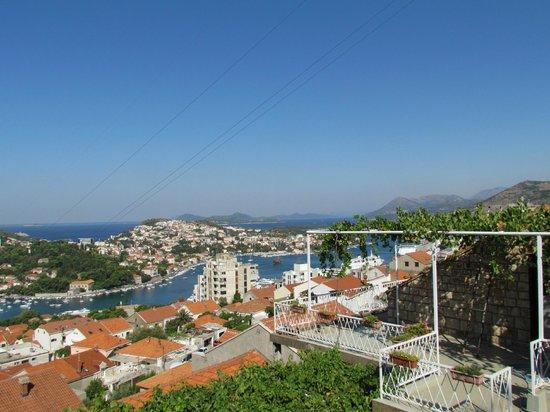 Villa Ivan: la vue depuis la terrasse