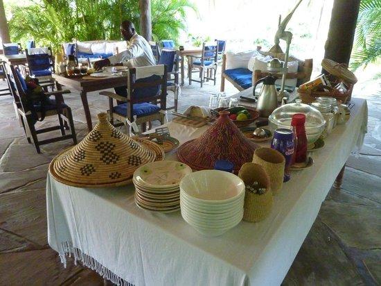 Diani Marine Divers Village: Viele, liebevoll arrangierte Kleinigkeiten und Kunsthandwerk