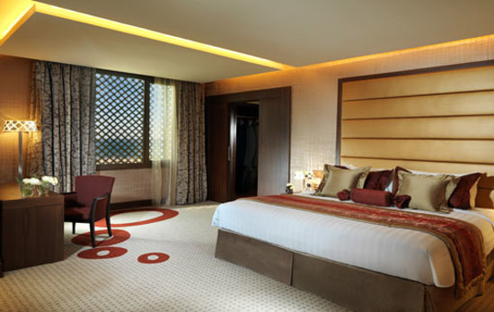 Safir Hotel and Residences Kuwait: BEDROOM
