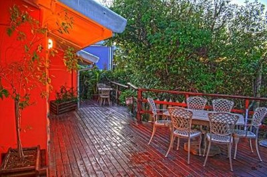 Island Vibe Knysna: Relax on the deck