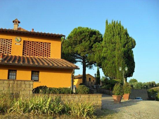 Borgo Di Montereggi: The reception building and our bedroom windows above