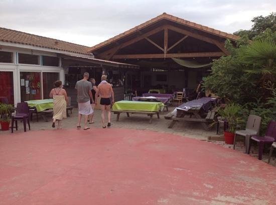 Camping La Pineda : la salle de restaurant