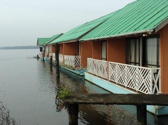 Emarald Pristine Island Floating Resort : Balcony