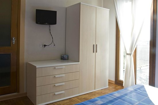 B&B Le Rose: ogni camera dispone di tv e bagno