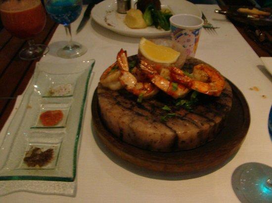 Anantara Mai Khao Phuket Villas: Salt brick prawns