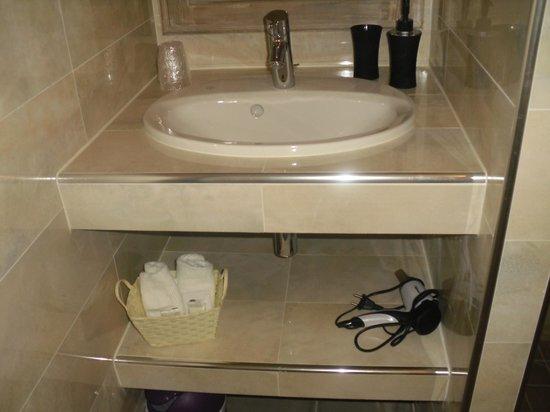 La Dentelliere: salle de bains