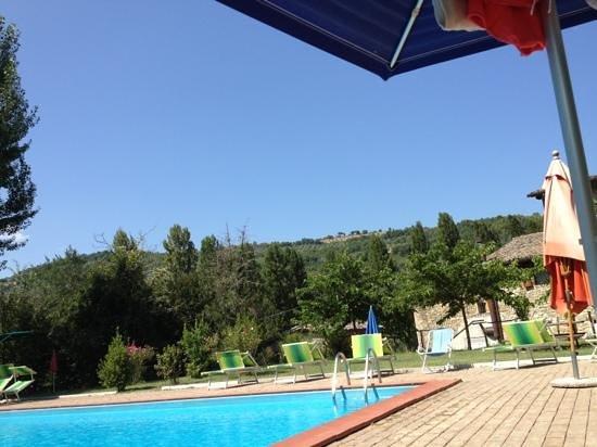 Borgovivo: vista da bordo piscina