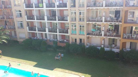 Comte d'Empuries Apartaments: vue de notre balcon....