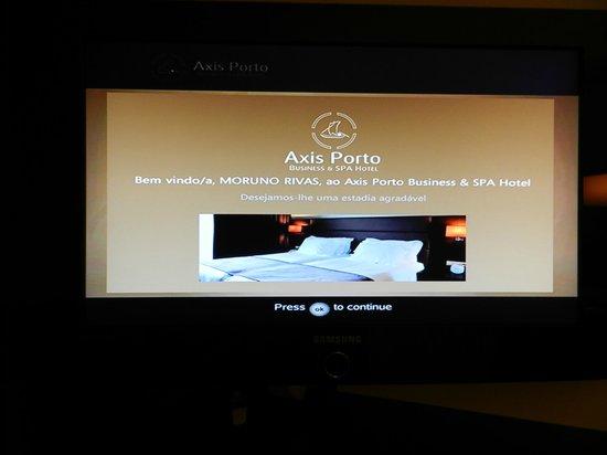 Axis Porto Business & Spa Hotel: Pantalla personalizada de la television