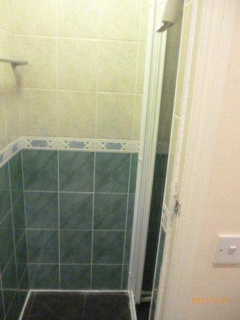 Piccolino Hotel: doccia