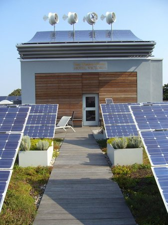 """BEST WESTERN PREMIER Hotel Victoria: The """"Solar Garden"""" (Green Roof + Solar Panels-can be accessed with your room key-AWESOME"""