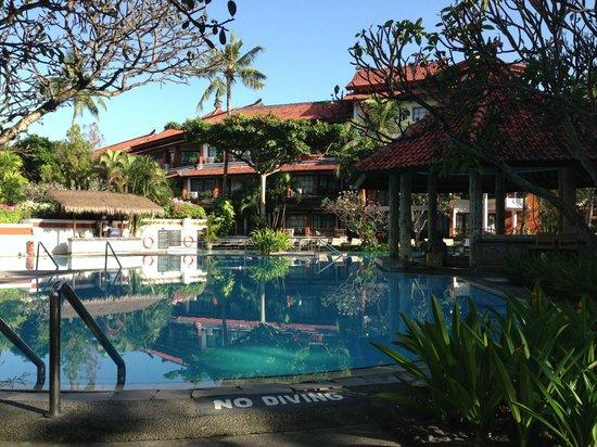 Sol Beach House Benoa Bali by Melia Hotel International: Swiming pool