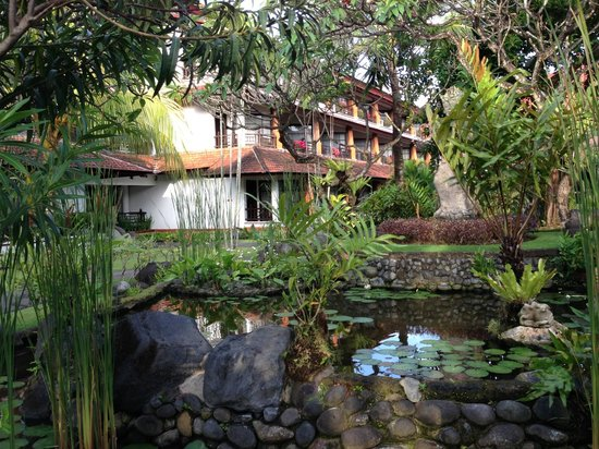 Sol Beach House Benoa Bali by Melia Hotels International: Garden
