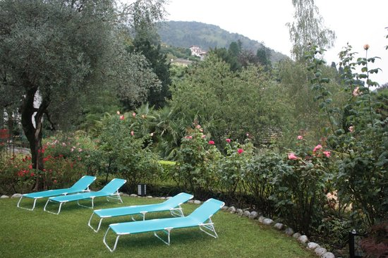 Casa Lory: Garden of apartment Lea