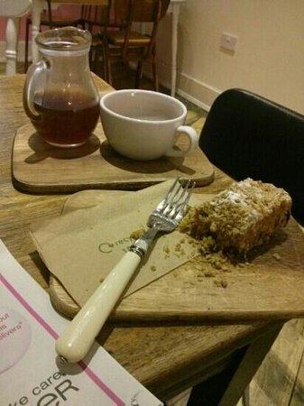 Pink Lane Coffee: Honduras coffee and fig cake