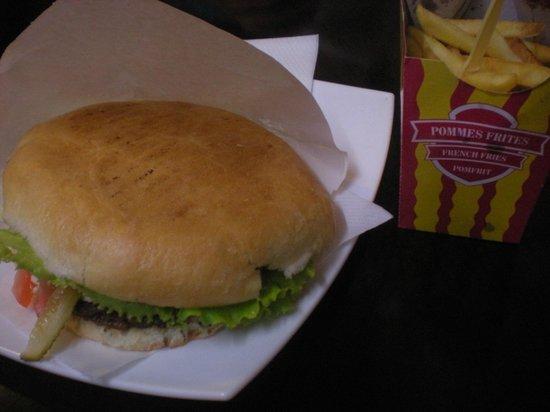 Presa: Hamburger con patatine