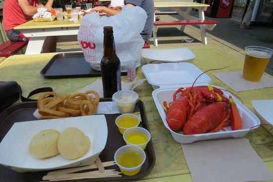 Beal's Lobster Pier: Lobster feast
